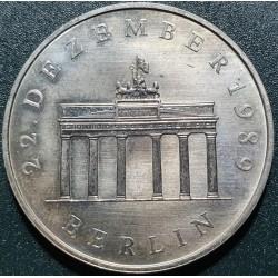 Vokietija - VDR 20 markių, 1990 Brandenburg Berlin KM139